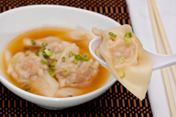 """1970年代以前,澳大利亚中国餐馆将馄饨汤取名为""""短汤"""""""