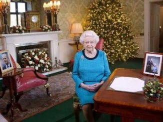 为何伊丽莎白女王不说Merry Christmas? Too Low!