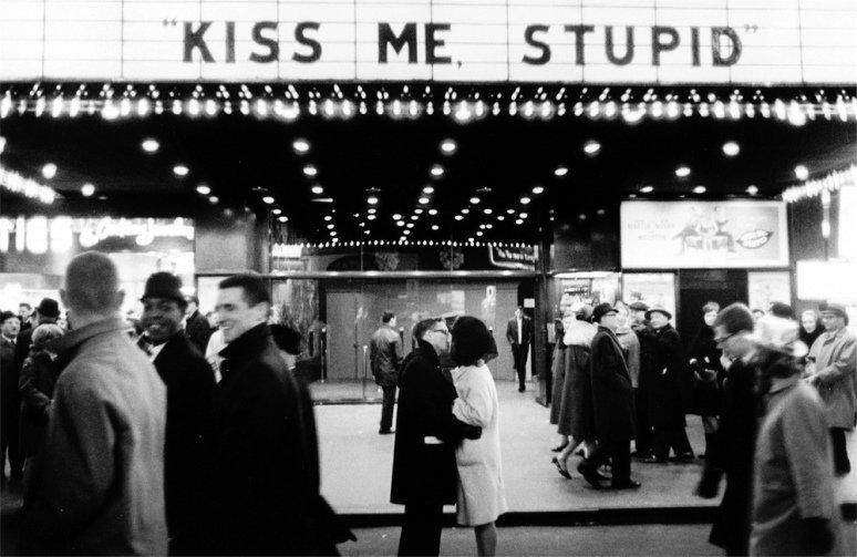 New Years' Eve, NYC (Kiss me, stupid), 1965. Photo by Joel Meyerowitz