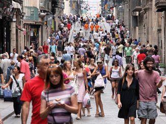 英语热词 | 让景点或目的地变得拥挤不堪甚至被破坏的过度旅游 Overtourism