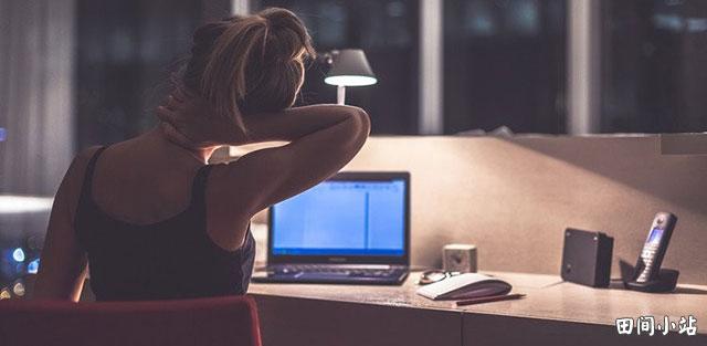 牛津辞典90周年:限量明信片之来自1940s的词汇:workaholic工作狂;醉心工作的