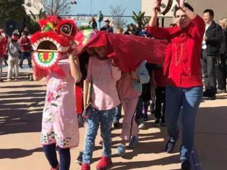 美国文化 | 为什么美国小学欢度春节,却不过万圣节?